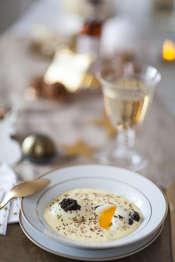 Table dorée oeuf parfait sauce hollandaise caviar Petrossian©AnneDemayReverdy08