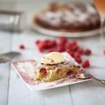 Gâteau pistaches, mûres, framboises en forme de tarte car le lundi? c'est permis le mélange des genres…