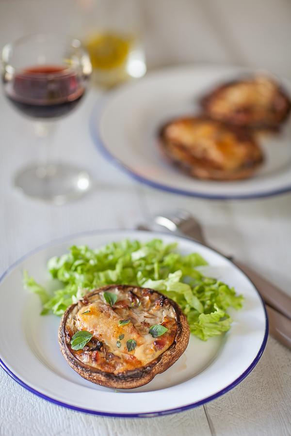 champignon-portobello-farci-au-lard-et-au-fromage-de-brebisannedemayreverdy01