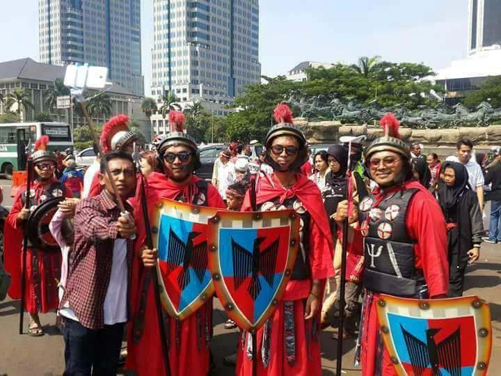 parade-bhinneka-tunggal-ika-kostum-romawi