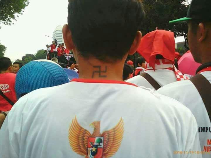 parade-bhinneka-tunggal-ika-peserta-bertato