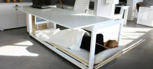 bord med säng