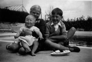 Jan, Chris, David August 1950