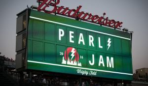 "Pearl Jam – ""Let's Play Two"""