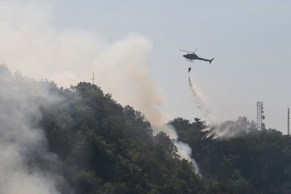 zjarr helikopter