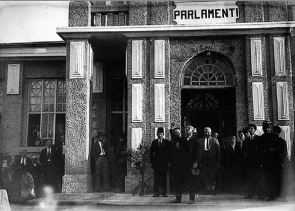 Godina e Parlamentit në vitin 1925