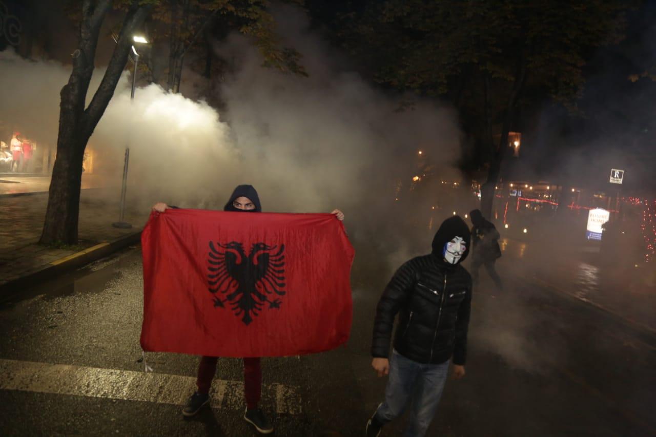 Protesta-Dhuna-Klodian-Rasha-gaz-lotsjelles-tym-policia-sulmi-shkaterrimi (14)