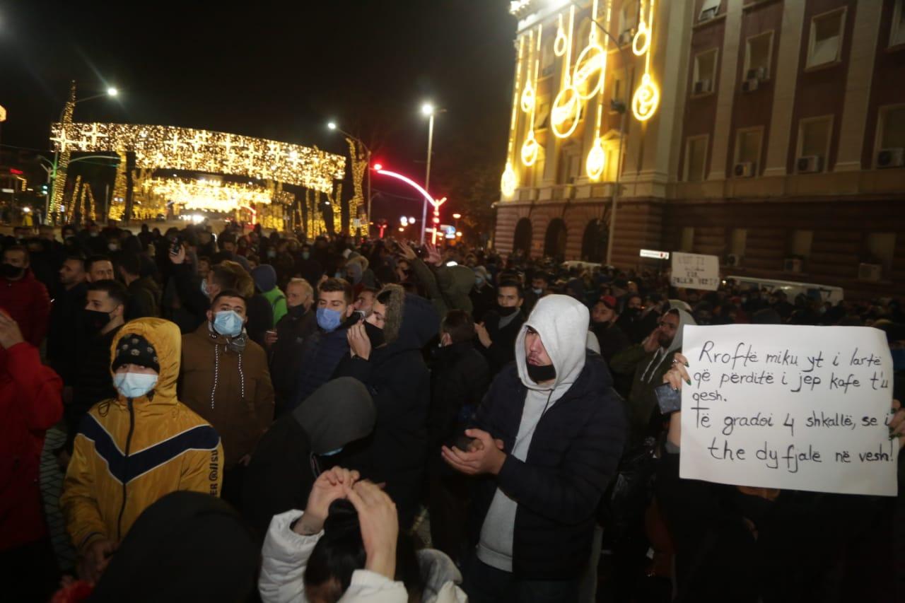 Protesta-Dhuna-Klodian-Rasha-gaz-lotsjelles-tym-policia-sulmi-shkaterrimi (3)