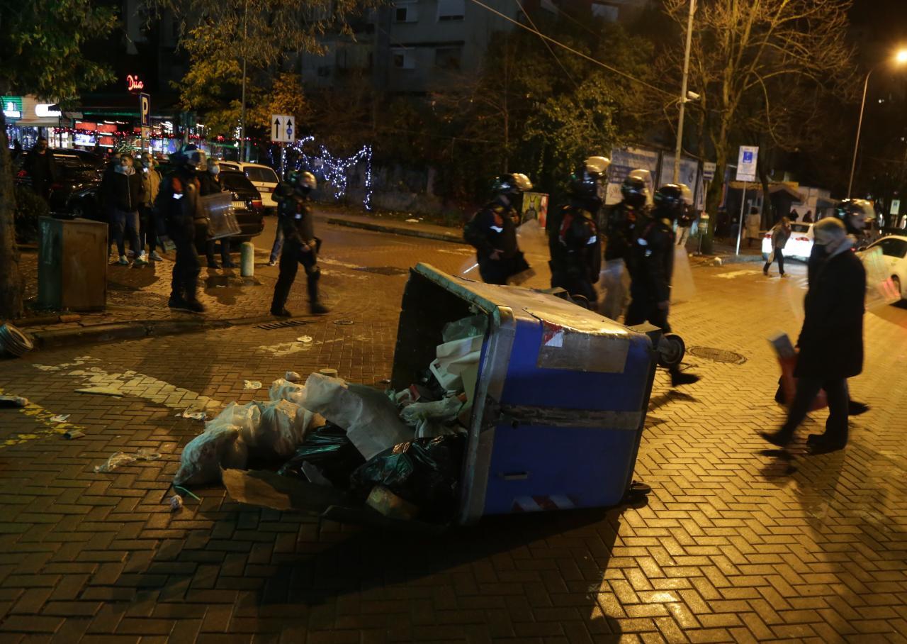 Protesta-Dhuna-Klodian-Rasha-gaz-lotsjelles-tym-policia-sulmi-shkaterrimi (32)