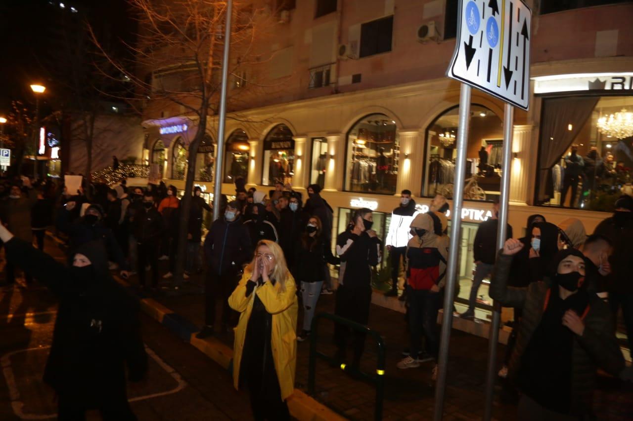 Protesta-Dhuna-Klodian-Rasha-gaz-lotsjelles-tym-policia-sulmi-shkaterrimi (37)