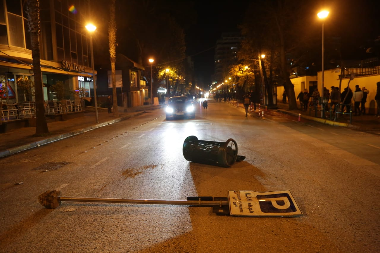 Protesta-Dhuna-Klodian-Rasha-gaz-lotsjelles-tym-policia-sulmi-shkaterrimi (38)
