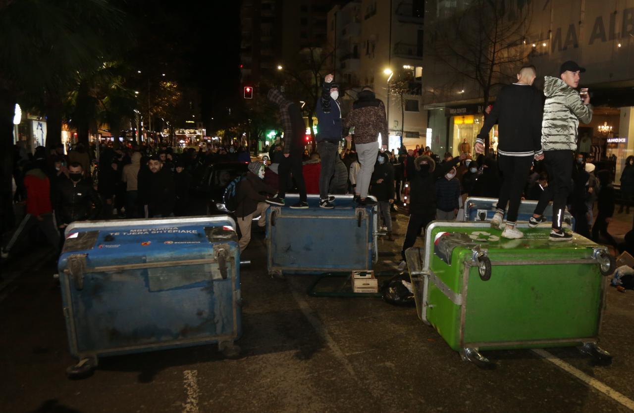 Protesta-Dhuna-Klodian-Rasha-gaz-lotsjelles-tym-policia-sulmi-shkaterrimi (46)