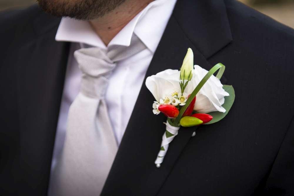 Matrimonio Tema Peperoncino : Matrimonio country tutti gli accessori per lo sposo