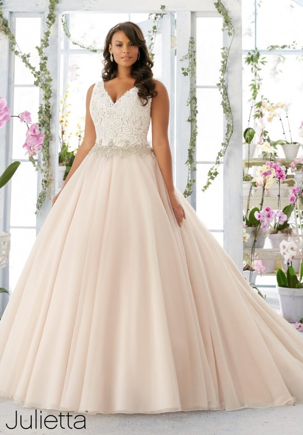 Julietta by Mori Lee in una dolce sfumatura cipria