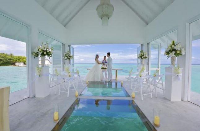Matrimonio Simbolico Alle Maldive : Matrimonio alle maldive il sì sospesi sulle acque dell oceano