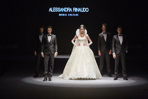 Alessandra Rinaudo finale sfilata Izmir