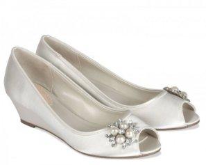 scarpe-senza-tacco-matrimonio-600x480
