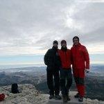 De izquierda a derecha Lidón, yo y Sento en la cumbre del Maigmó