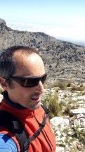 Autofoto en la cumbre del Monte Cabal