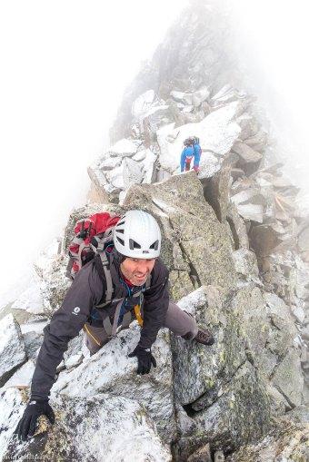 Escalando en la cresta de Bardamina