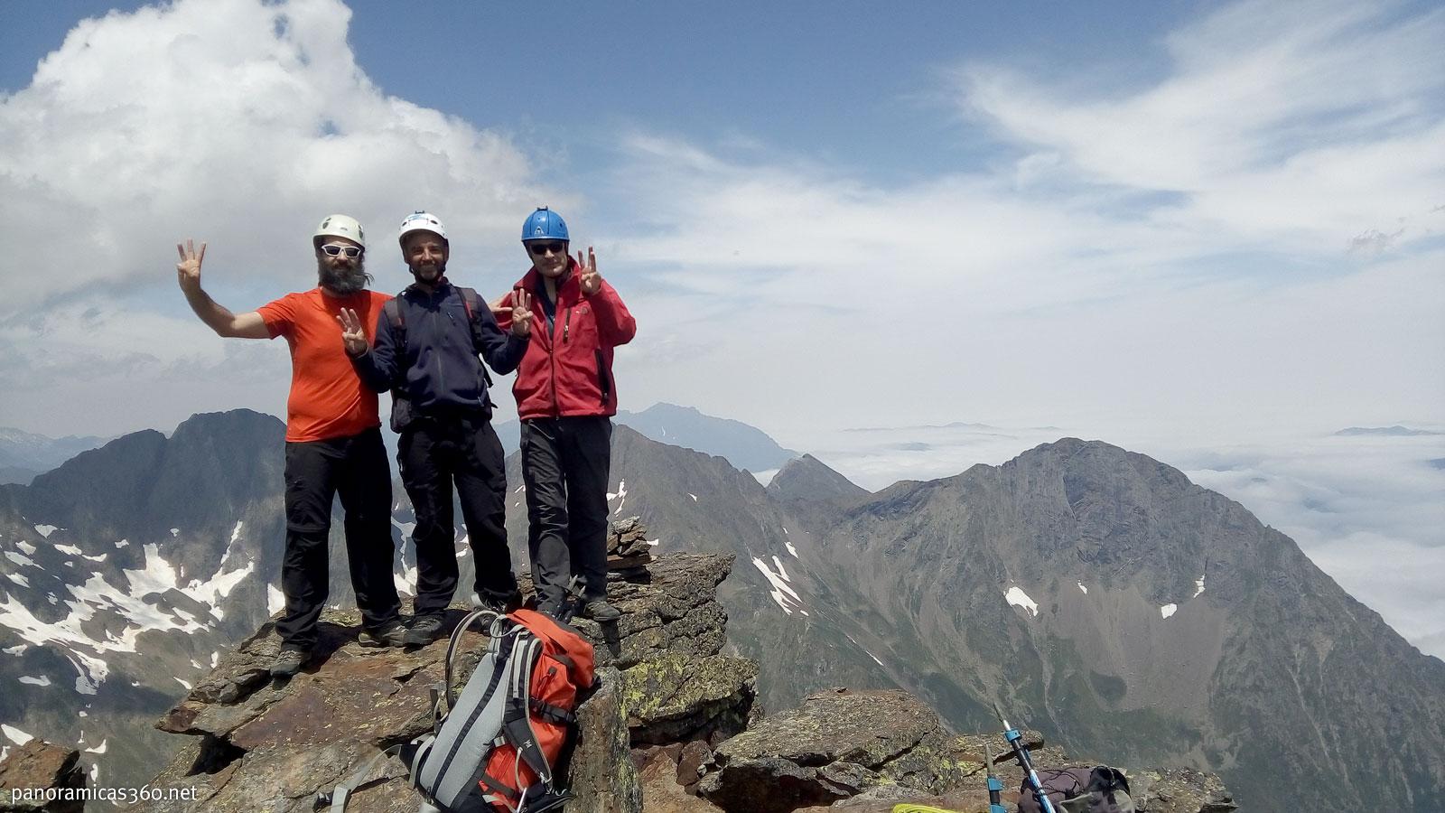Lidón, Manú y Romero en el Pico Abeille