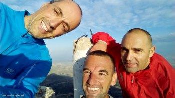 Pels, Manu y Juan Carlos en la cumbre del Maigmó
