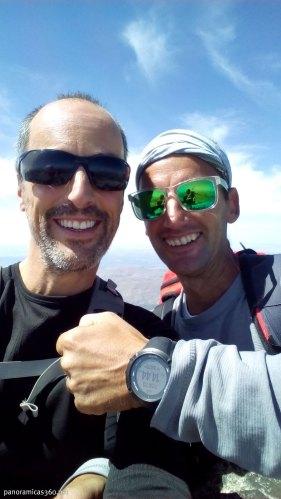 Manu y yo en la cumbre del Mulhacén