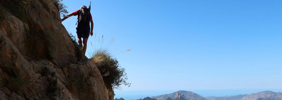 Senderismo circular en la sierra de Aitana (Alicante). Peñón Divino, Penyo Mulero, Penya Roc, Racó de Tovaines