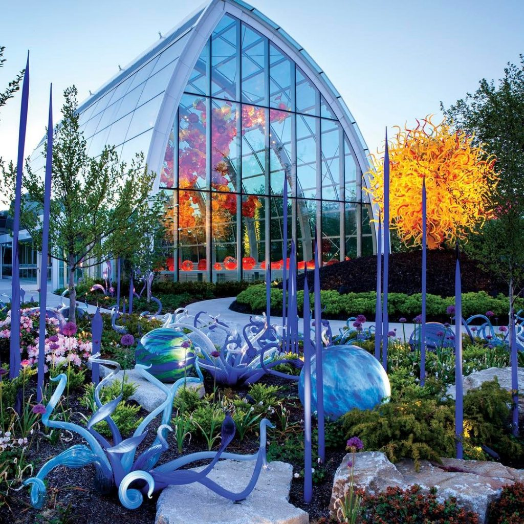 Chihuly Garden And Glass Logo
