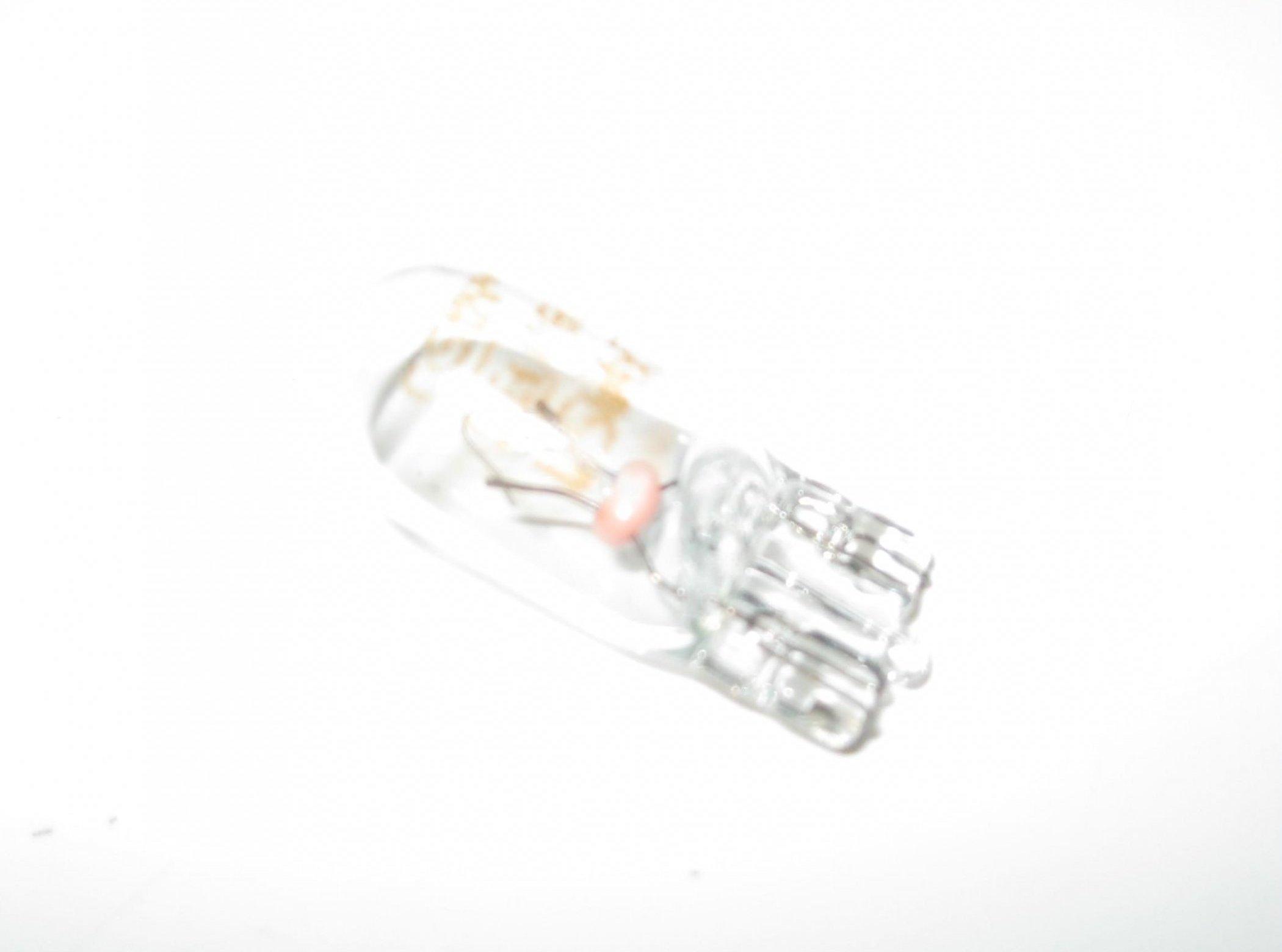Mercedes Lamp Light Bulb 12 Volt W5w 5 Watt N