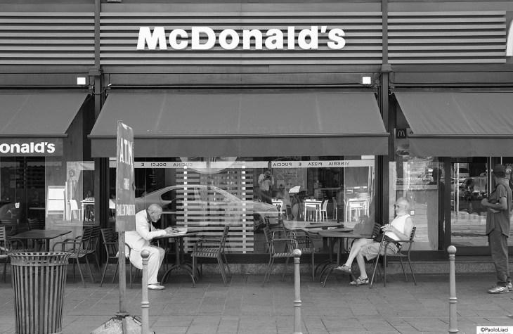 anziani al McDonald's