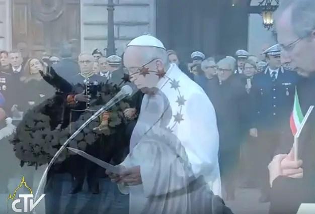 Risultati immagini per PAPA FRANCESCO AI PIEDI DELL'IMMACOLATA 8 DICEMBRE 2016