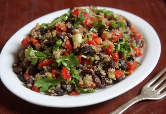 salada quinoa feijão1