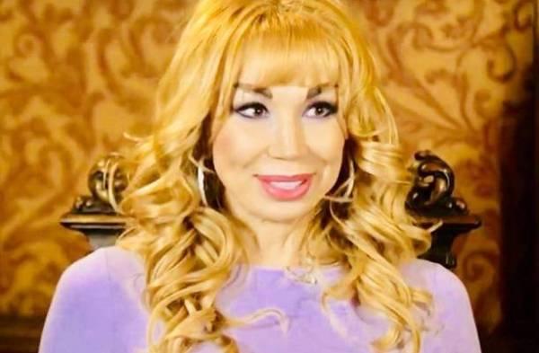 В Сети обсуждают снимок 53-летней Маши Распутиной в бикини