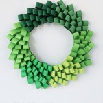 Diy Ombre Christmas Wreath From Paper Loops Free Templates Papershape