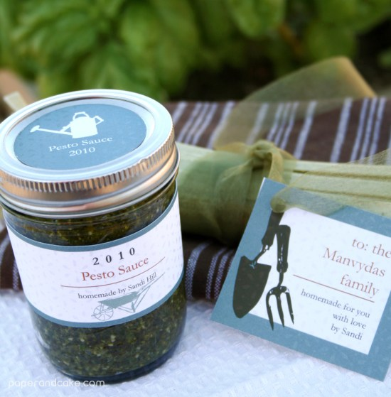 paper and cake autumn harvest gift giving set pesto sauce