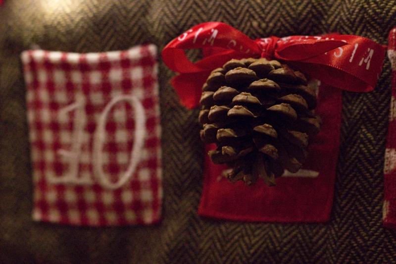 Pomme de pin Noël - Calendrier de l'avent