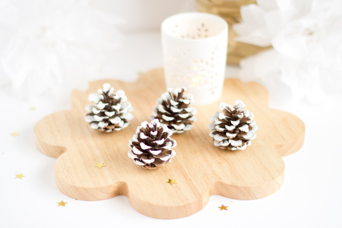 DIY pommes de pin - décorations de Noël - www.paperboat.fr