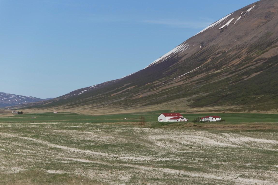 Road Trip Islande - Akureyri - www.paperboat.fr