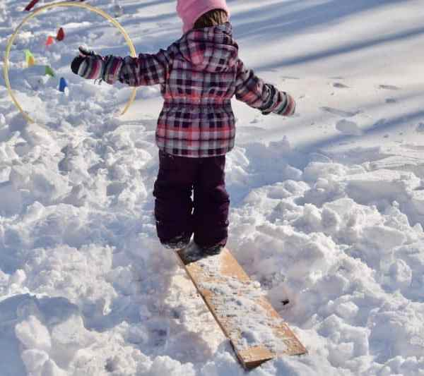 Snow Obstacle Course- Winter Fun That Will Totally Tire Your Kids Out
