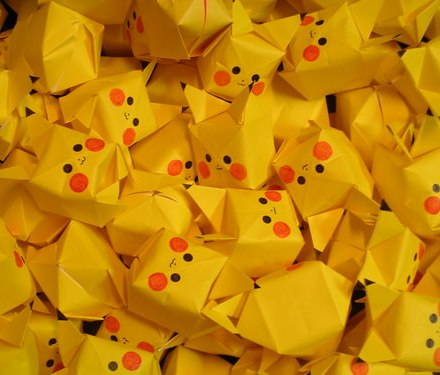 Origami Fall Leaves via @paper_kawaii