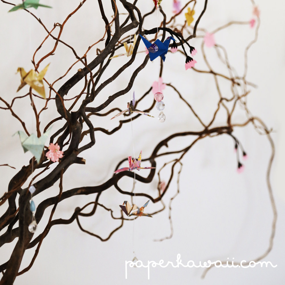How to make a DIY origami cherry blossom tree with willow branches via @paper_kawaii