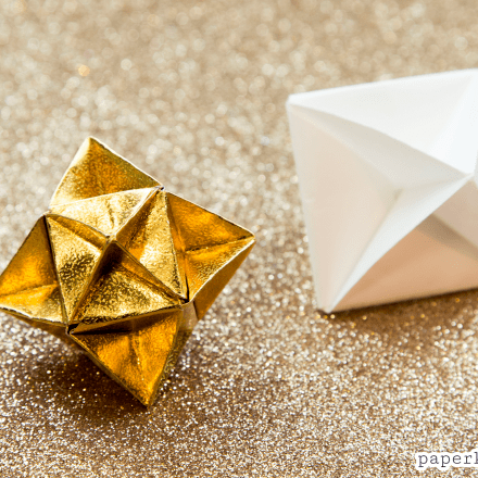 Origami Compass Rose Star Tutorial via @paper_kawaii