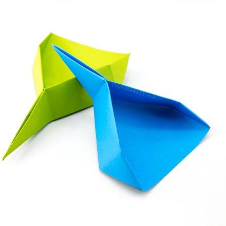 Origami Dustpan Scoop Tutorial - Spring Clean Your Desk via @paper_kawaii