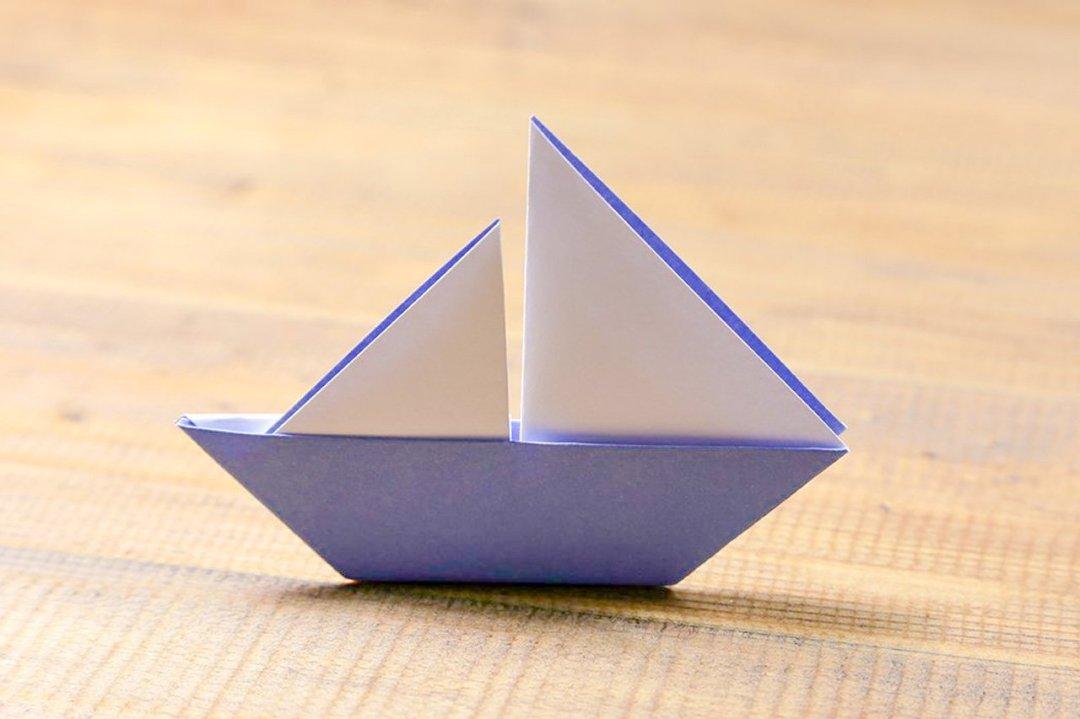 Boat With 2 Sails via @paper_kawaii