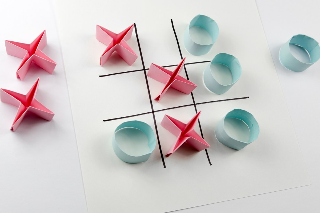 Naughts & Crosses Game via @paper_kawaii