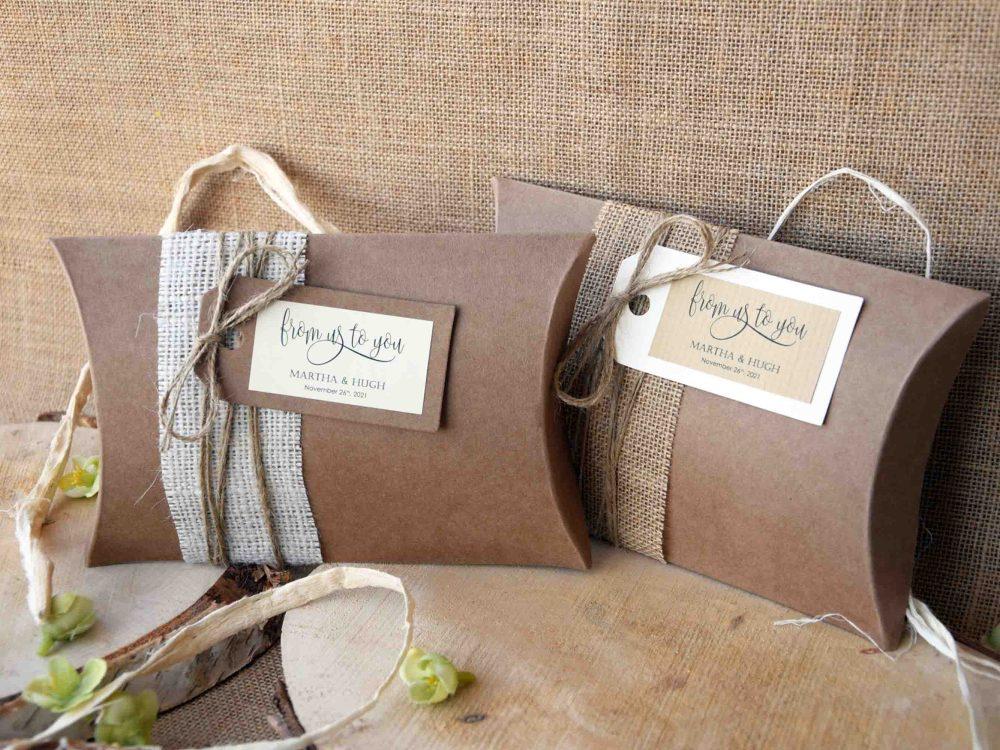 Rectangular or Square Burlap Pillow Boxes #favorboxes #kraftpillowboxes #rusticpillowboxes #largefavorboxes #burlappillowboxes #rusticweddingfavorboxes