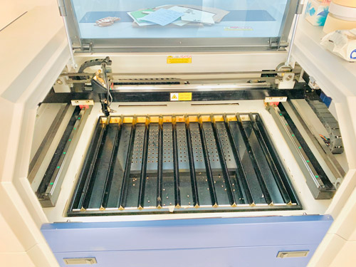Laser Cutting Machine - PaperSTudioByC