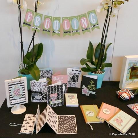 Stampin'Up! Thementisch, Frühjahrskatalog 2018, Blütenfantasie, Designerpapier, Stempelset, Karten Wimpelkette, Dekoration, Frühling, Notizbuch