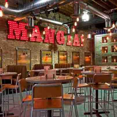 interior architecture of Oak Park Lou Malnati's Pizzeria